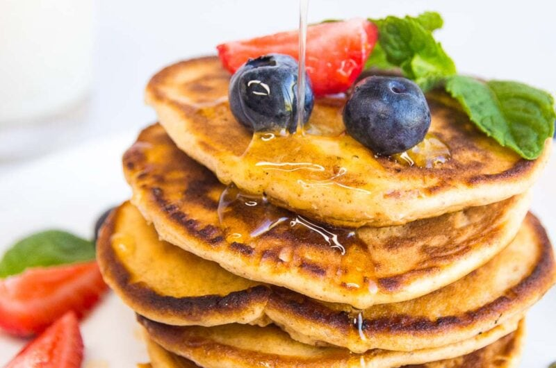 Almond Flour Pancakes With Mixed Berries