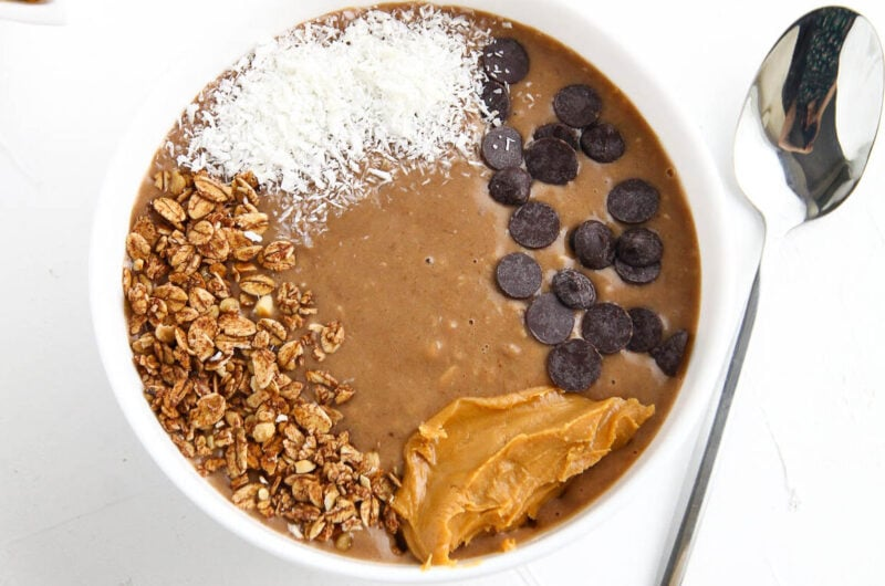Easy Peanut Butter Banana Smoothie Bowl