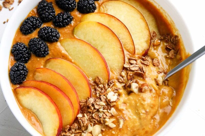 Apricot Oatmeal Smoothie Bowl
